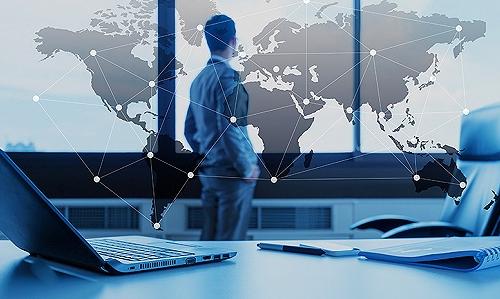 应用手机软件开展员工企业微信的管理